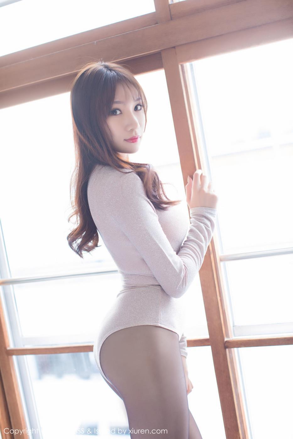 爱蜜社小狐狸Kathryn性感美女透视装丝袜诱惑写真
