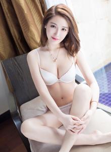 爱蜜社气质美女刘奕宁Lynn内衣诱惑大尺度诱人写真