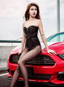 冰淇淋少女蔡乐儿性感车模美女酥胸美腿诱惑写真