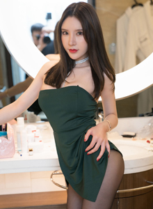 性感美女火辣撩人周于希dummy丝袜美腿翘臀诱惑写真