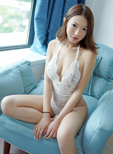 性感美女模特栗子Riz蕾丝内衣诱惑翘臀美胸大尺度写真