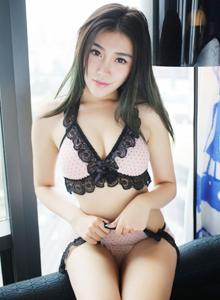美媛馆嫩模许诺Sabrina修长美腿丰满翘臀写真图片