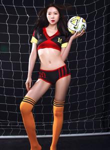 性感美女梦心玥惹火足球宝贝大长腿高颜值写真图片