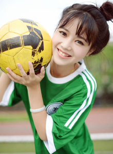 秀人网丸子头可爱萝莉Toro羽住世界杯足球宝贝写真