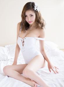 性感妩媚巨乳尤物Yumi尤美私房大尺度内衣美女写真