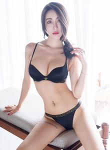 尤蜜荟身材火辣御姐控穆菲菲内衣诱惑大长腿美女图片