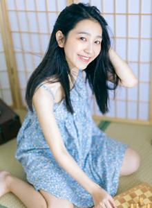 日系小清新美女萝莉碎花连衣裙甜美可爱治愈系写真图片