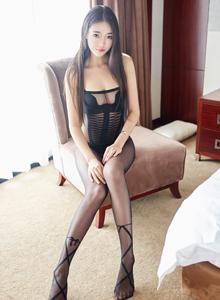 丝袜诱惑可乐Vicky尤蜜荟嫩模美胸修长美腿私房大尺度图片