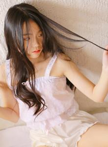 仙气十足大长腿网红小仙女长发飘飘火辣诱人美女写真图片
