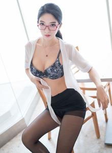 风情万种职场OL装女秘书魅妍社小热巴黑丝诱惑修长美腿写真