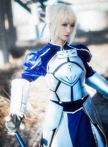 Fate/Stay Night御姐鳗鱼霏儿Cosplay阿尔托利亚图片