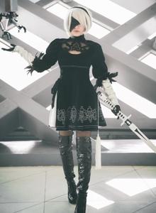 尼尔:机械纪元2B小姐姐Cosplay美女图片