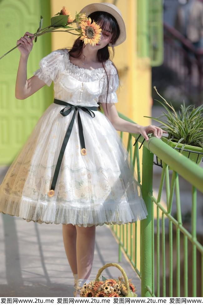 双马尾可爱小萝莉lolita服饰户外约拍美女摄影写真图片
