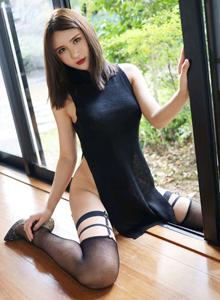 美媛馆性感女神SOLO-尹菲福利最新真空内衣黑丝诱惑写真照