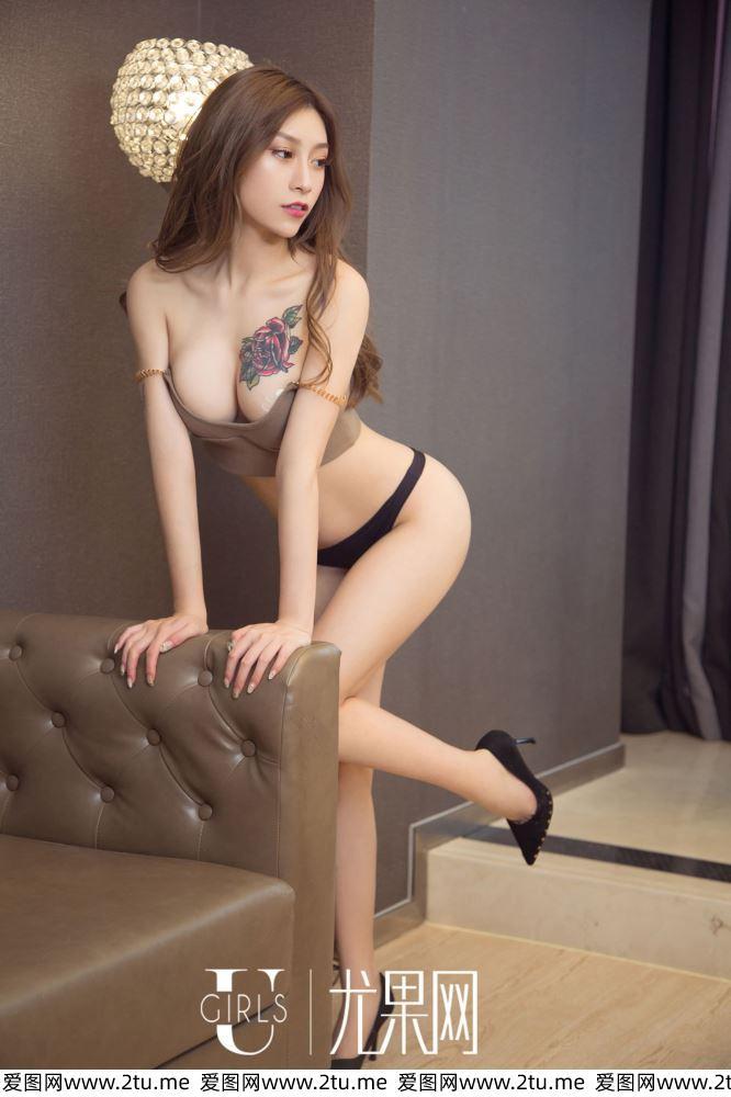 尤果网杜花花性感美女御姐纹身美女湿身诱惑大尺度写真集