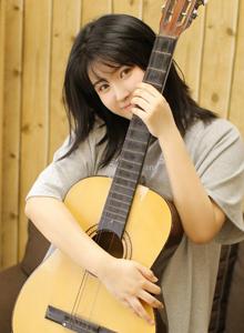 文艺范美少女小清新可爱吉他小姐姐性感私房诱惑写真图片
