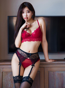 性感黑丝美腿网络红人杨晨晨sugar[语画界XIAOYU] Vol.020 写真集