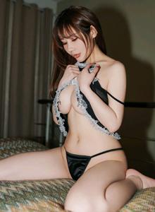 苏可er蕾丝制服女仆巨乳美女图 秀人网性感翘臀美眉写真集