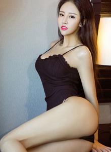 [尤果网]翘臀美女性感诱人高清大尺度四方写真模特韩秀冉写真集