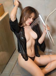 [XIAOYU语画界]女神芝芝Booty性感浴室美女湿身诱惑雪白巨乳美女写真