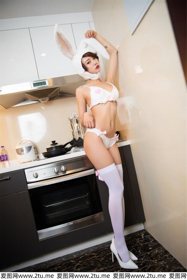 冯木木LRIS - [语画界XIAOYU]美女模特冯木木头戴兔耳帽身材白丝内衣写真集