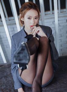 付艺轩 - 美女黑丝美女办公室女秘书制服诱惑大尺度私房美女写真集